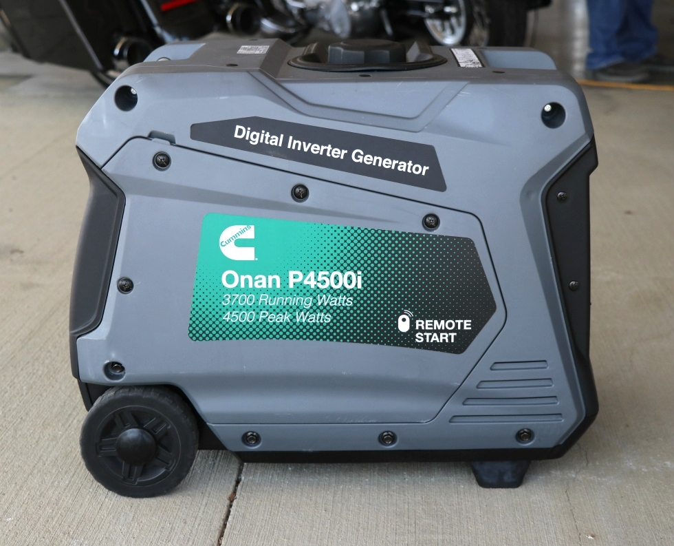 ONAN P4500i DIGITAL INVERTER GASOLINE PORTABLE GENERATOR FOR SALE Generators