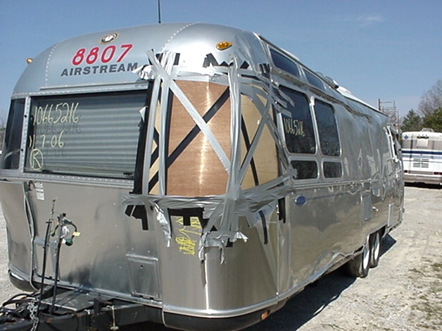 2006 AIRSTREAM CLASSIC 31FT TRAVEL TRAILER PARTING OUT - PARTS  RV Exterior Body Panels