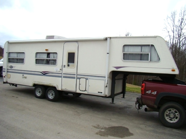 1997 AEROLITE FIFTHWHEEL FOR SALE - COMPLETE OR PARTS  RV Exterior Body Panels