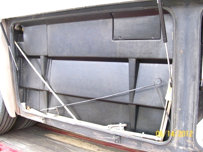 2002 TRADEWINDS BY NATIONAL RV PARTS FOR SALE / RV SALVAGE CALL VISONE RV 606-843-9889  RV Exterior Body Panels