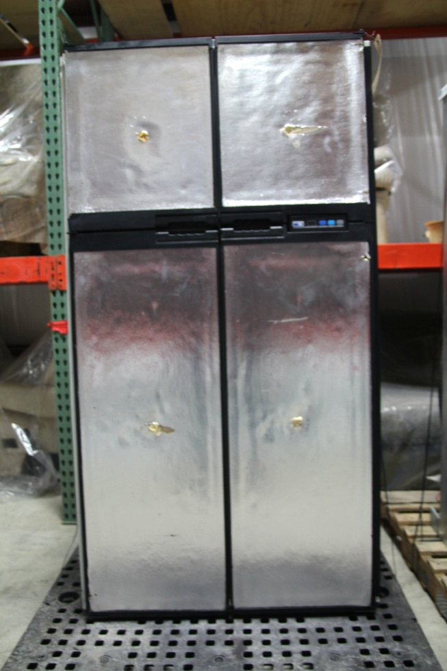 USED RV/MOTORHOME NORCOLD 1200LRIM REFRIGERATOR SN: 1216506F (NO DOOR COVERS} RV Appliances
