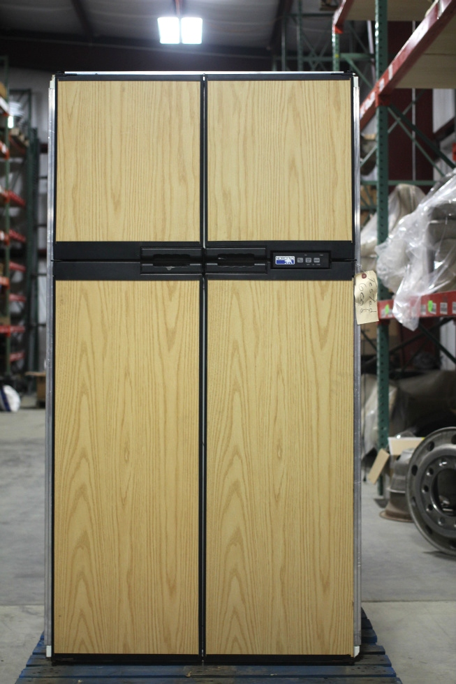 USED RV/MOTORHOME NORCOLD REFRIGERATOR PN: 1200LRIM SN: 550196FB RV Appliances