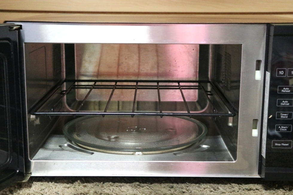 USED MOTORHOME NN-8501V PANASONIC DIMENSION 4 MICROWAVE / CONVECTION OVEN RV PARTS FOR SALE RV Appliances