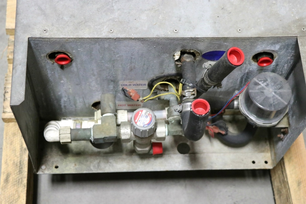 USED HHE-200-09E HYDRO-HOT BY VEHICLE SYSTEMS MOTORHOME PARTS FOR SALE RV Appliances