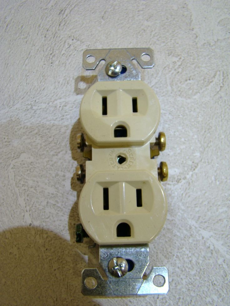 NEW RV /MOTORHOME OUTLET 2 PLUG-IN COLOR: IVORY SIZE: 4 1/8 x 1 1/4  RV Interiors