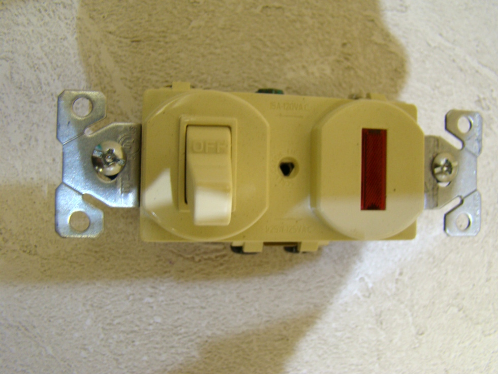 NEW RV /MOTORHOME COPPER WIRING COMBINATION DEVICE IVORY SIZE:4 1/8 X 1 1/4  RV Interiors