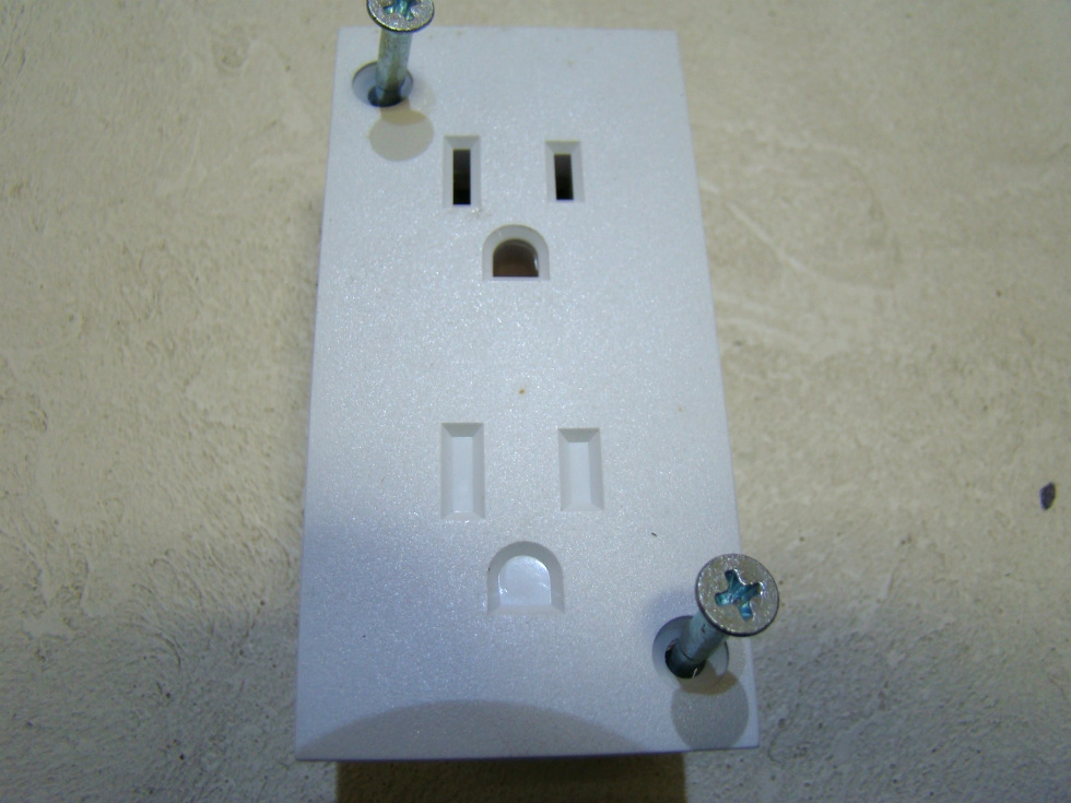NEW WHITE OUTLETS TWO  GANG ONLY ONE WAY PLUG-IN  RV Interiors
