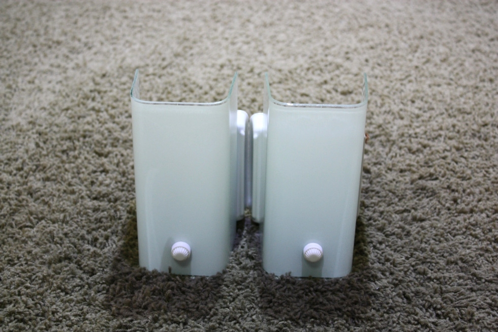 USED MOTORHOME SET OF 2 WHITE WALL SCONCE LIGHT FIXTURES FOR SALE RV Interiors