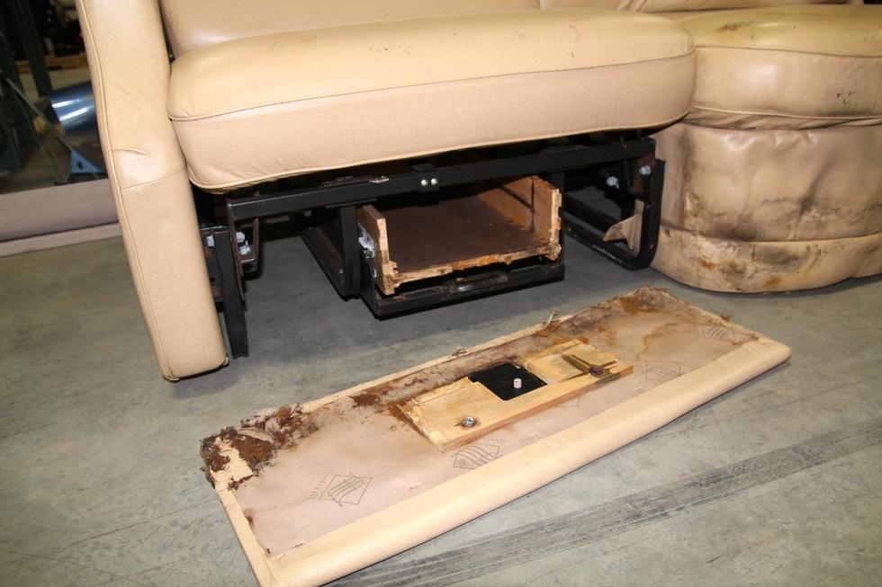 RV Furniture USED RV MOTORHOME RECOVERABLE FLEXSTEEL LEATHER