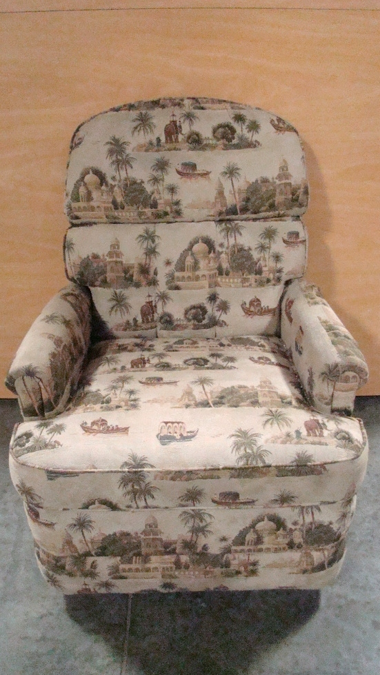USED RV/MOTORHOME FURNITURE CLOTH RECLINER PALM TREES/ELEPHANTS RV Furniture