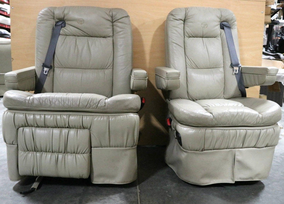 USED RV FLEXSTEEL MONACO SIGNATURE CAPTAIN CHAIR SET FOR SALE RV Furniture